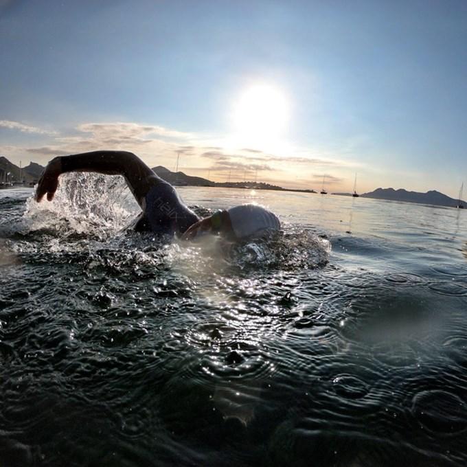 24 - Morgensvøm i sjøen etter konkurransen 3.jpg