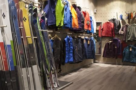 showroom_450x300_96ppi.jpg